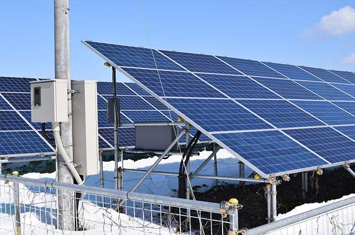 太陽光投資に必要な接続箱の役割とは